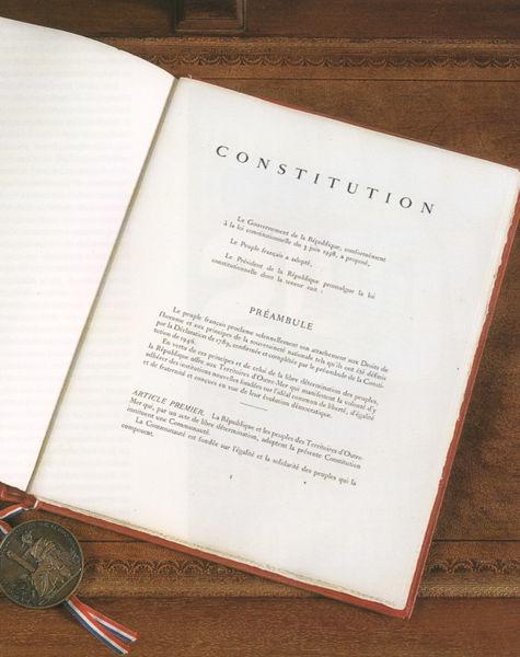 Constitution 1958